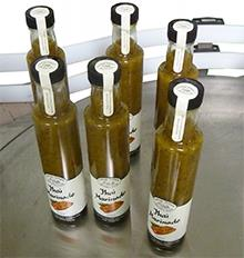 Wrap around labelling machine with security seal label for bottles and jars